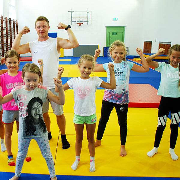 Zajecia dla dzieci Akrobatyka dla dzieci marki