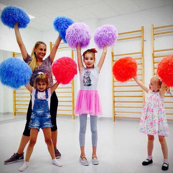 Zajecia taneczne cheerleading dla dzieci wMarkach