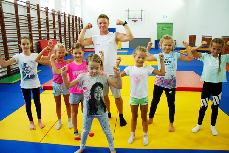Zajecia akrobatyczne dla dzieci wMarkach