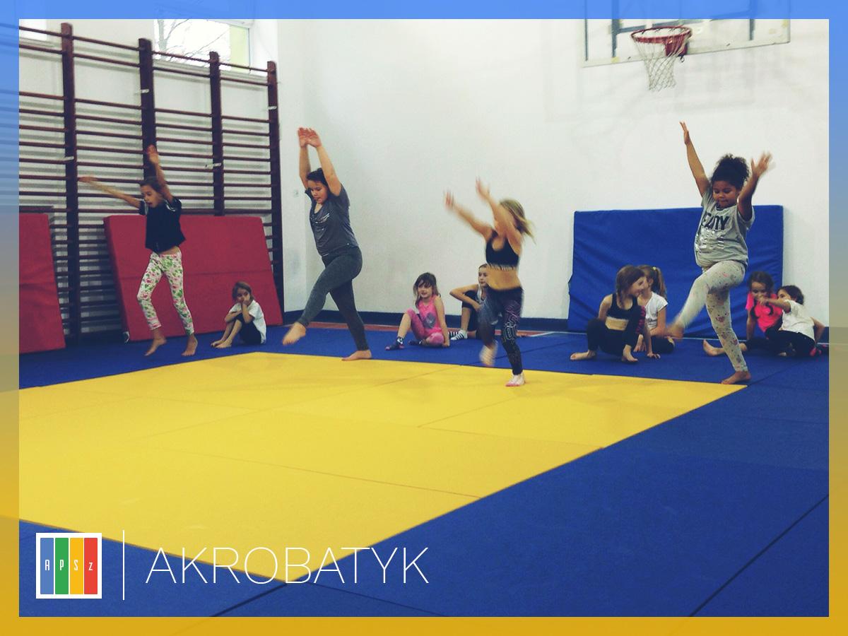 Zajecia akrobatyczne dla dziec wMarkach