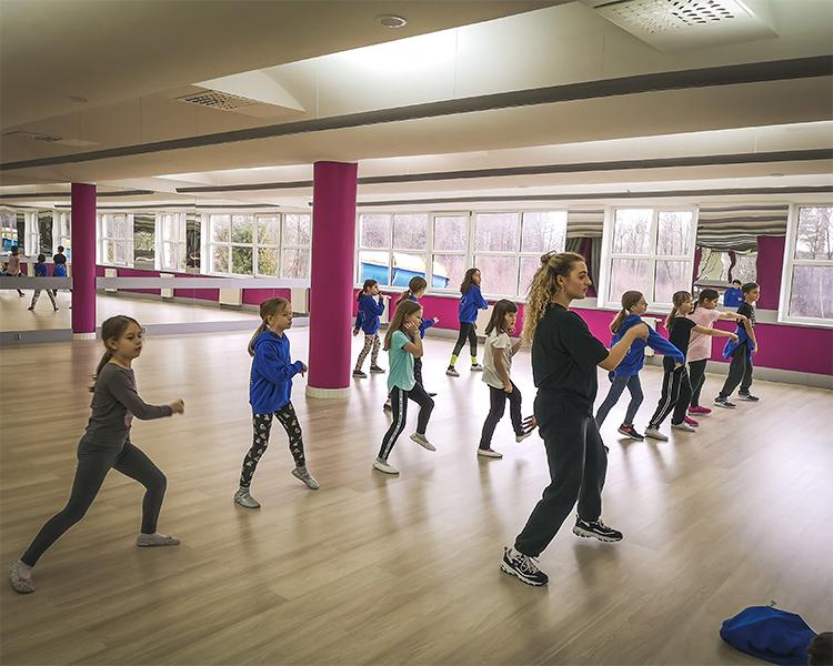 Letni oboz taneczny dla dzieci 6-15 lat