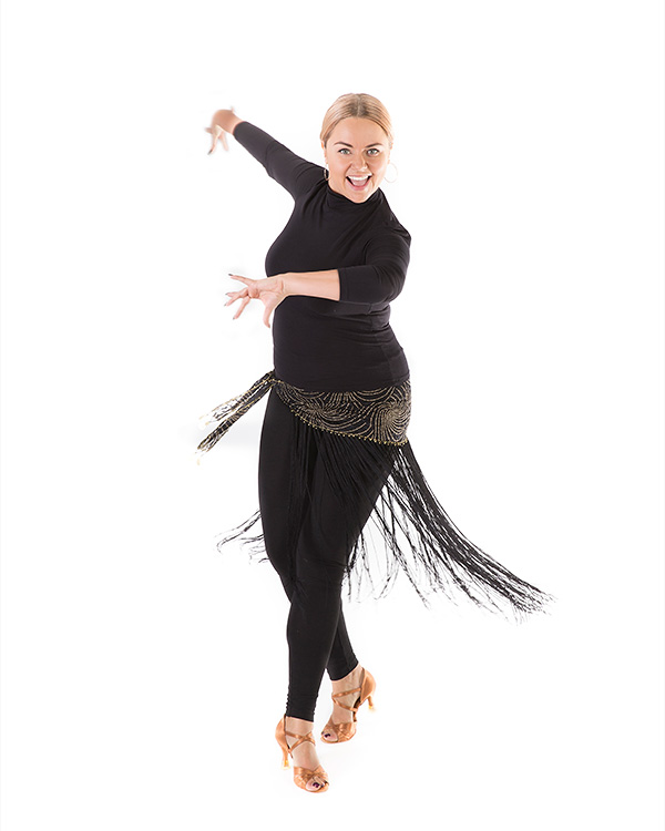 Aleksandra Deninis instruktorka tańca wszkole tańca Akademia Pani Szafki