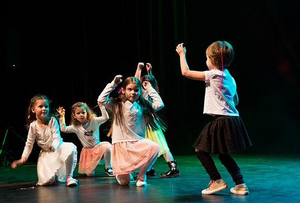 zajęcia taneczne disney dance dla dzieci wMarkach