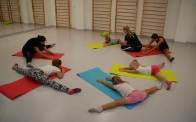 Gimnastyka artystyczna dla dzieci wAkademia Pani Szafki