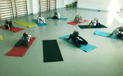 Gimnastyka artystyczna dla dzieci Akademia Pani Szafki