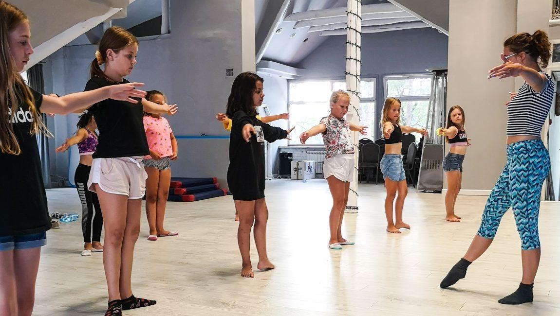 Letni-Obozy-Pani-Szafki-Dla-Dzieci-wakacje-2020 (32)