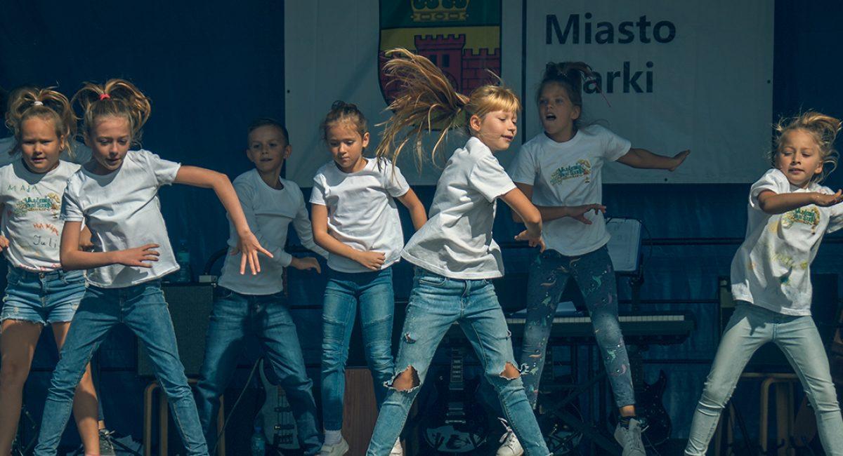 Pokazy taneczne zespołów zakademia Pani Szafki Marki